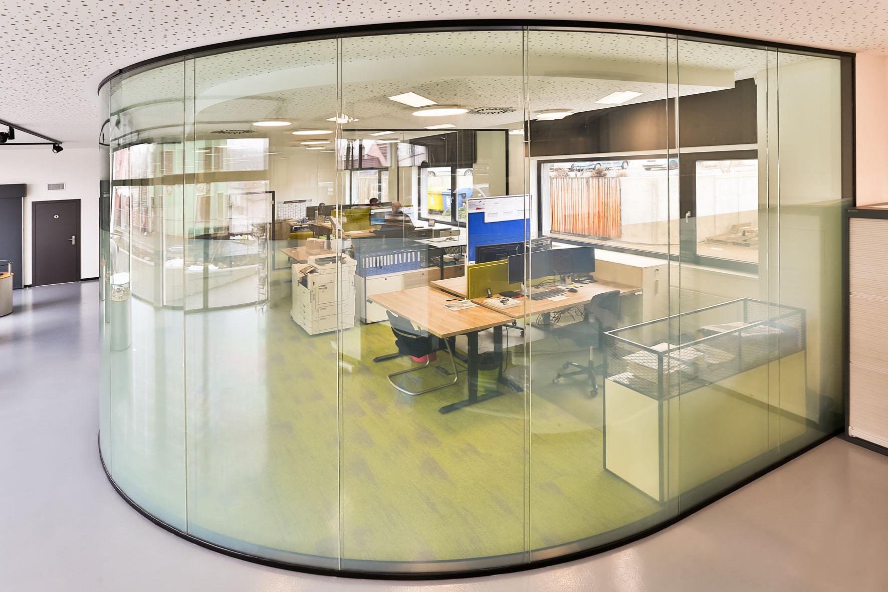 Digitális redőnyök – irodai funkcionalitás