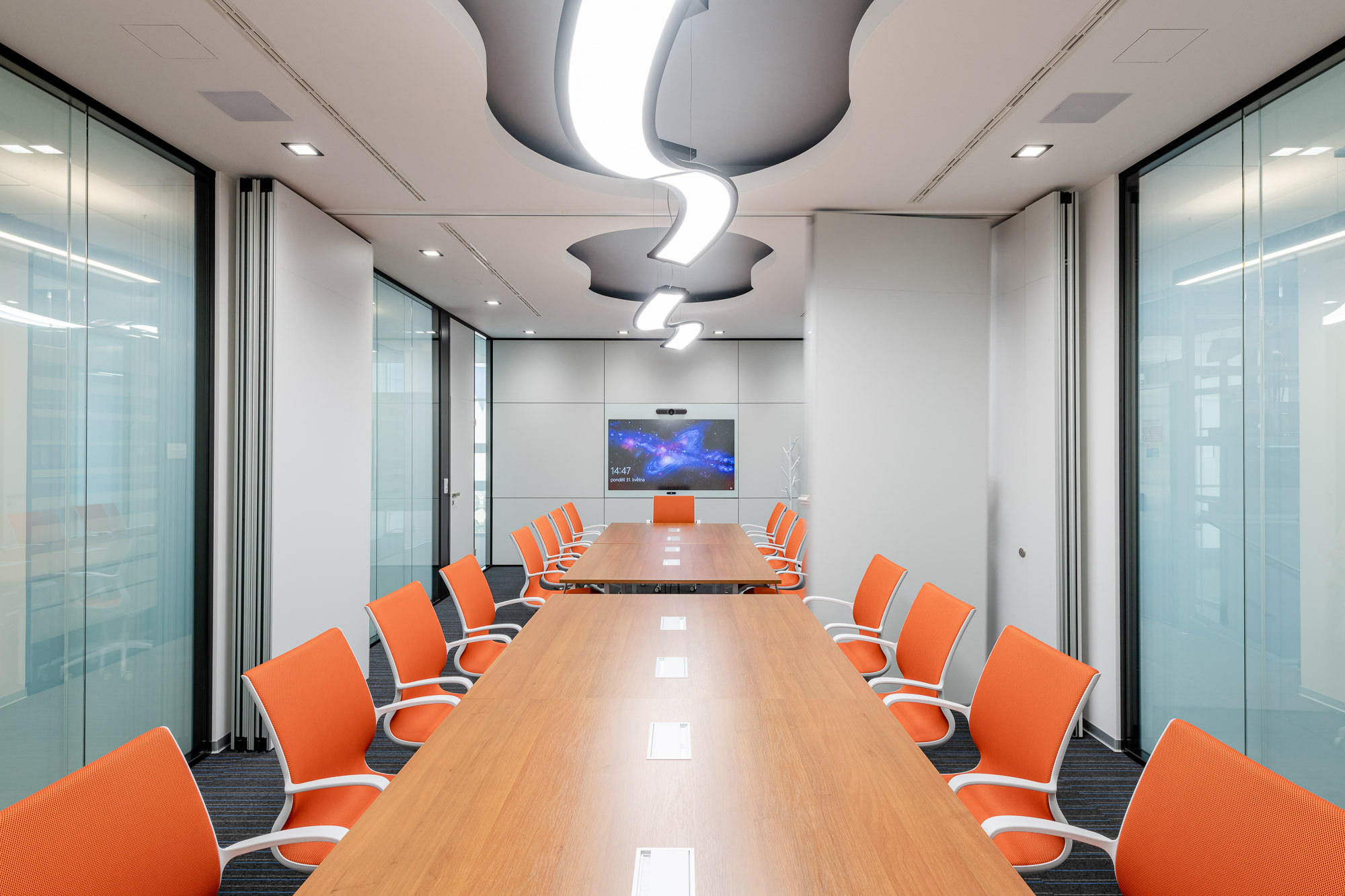 Modern és időtlen irodai belső terek