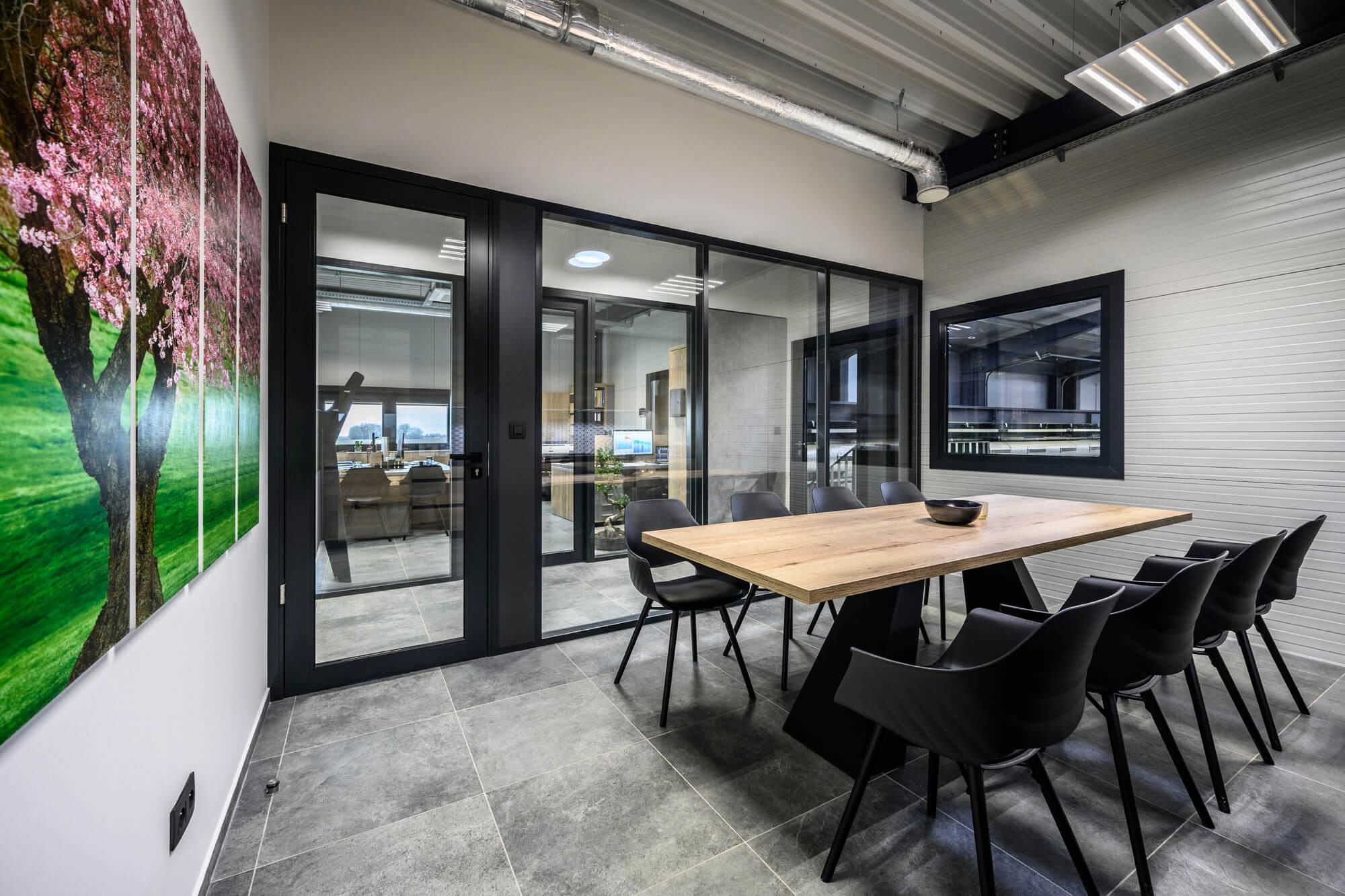 Saját tervezésű iroda